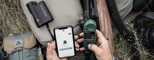 Leica CRF Rangemaster 2800.COM teamed up with Kestrel and smartphone for enhanced shooting solutions